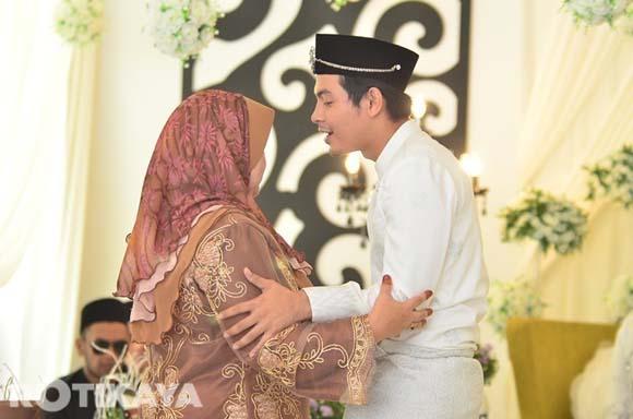 8923137146 657761ffde o Gambar Perkahwinan Izzue Islam dan Awin Nurin