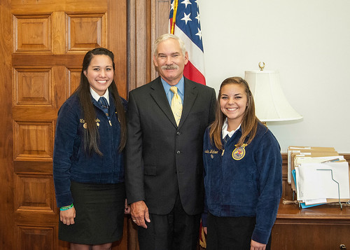 Acting Deputy Secretary Michael Scuse (center) with Native American FFA Students: Hannah Nichols (left), Coushatta Tribe of Louisiana and Jessica Wahnee (Muscogee (Creek) Nation, Okla.) (right). USDA photo:  Bob Nichols.
