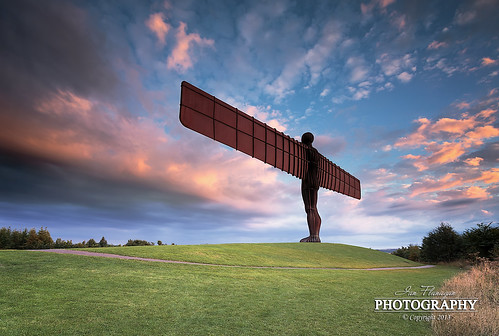 sunset green monument grass canon photography eos colours sundown northeast angelofthenorth canon1740f4lusm leefilters 5dmk3 ianflanagan