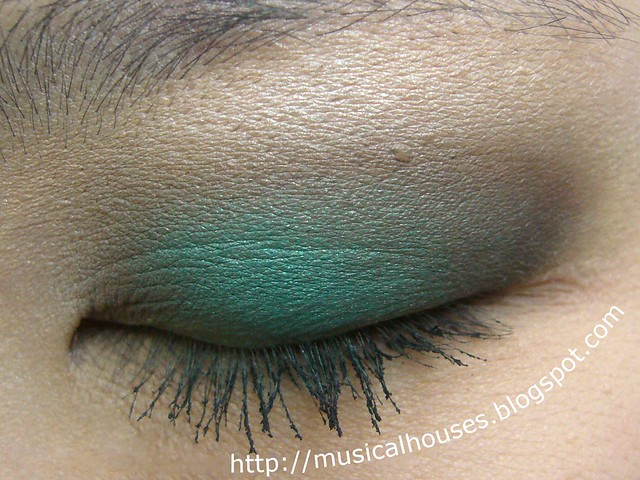 MUFE Blue Sepia eye look closed