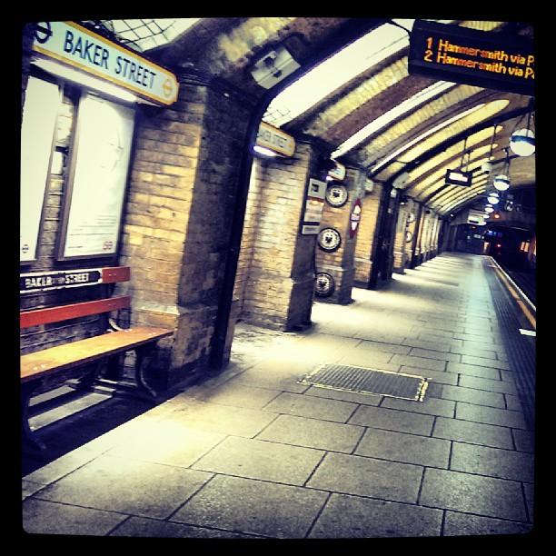 Baker Street, 22:45