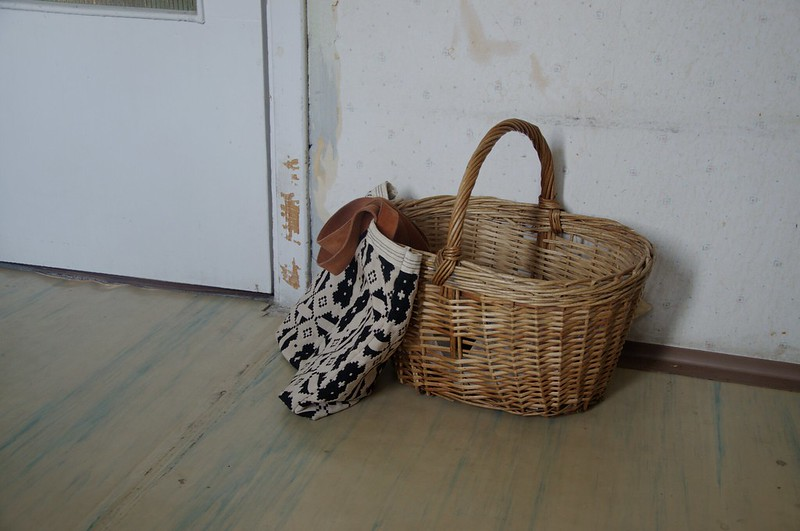 basket and tote bag