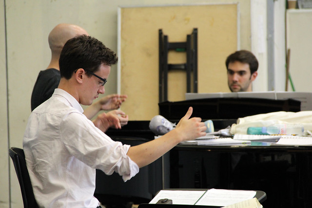 Conductor Paul Wingfield in rehearsal for El gato con botas © ROH / Ruairi Watson 2013
