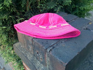 lost abandoned dumped pink hat Sutton Court Road Chiswick  10th July 2010  10-07-2010 18-07-23 10-07-2010 18-07-23