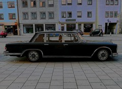 automobile, automotive exterior, vehicle, mercedes-benz w108, full-size car, compact car, mercedes-benz 600, antique car, sedan, classic car, vintage car, land vehicle, luxury vehicle,