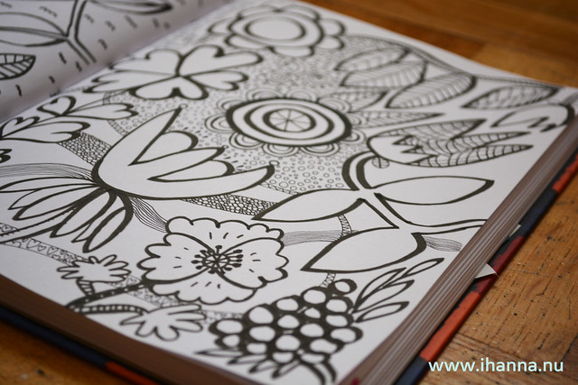 Diary Doodle: Rows of pattern and big flowers