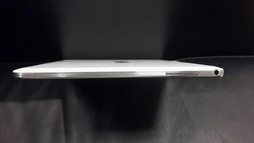 Samsung Galaxy Note 10.1 2014 Edition ด้านซ้าย