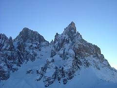 Foto per 24. L'nnevato versante Nord di Cima Vezzana e Cimon della Pala.