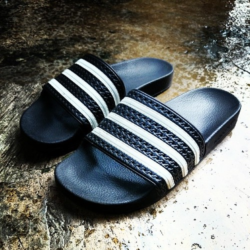 45209bd7e Traveljunkieindonesia.com – I picked up a new pair of pretty classic slides  sandals from Adidas originals lifestyle shoes.