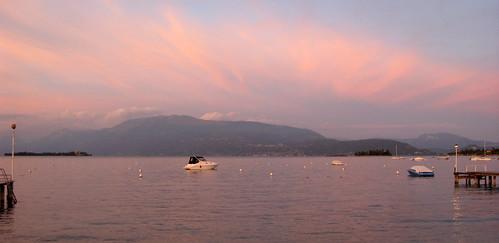 Gardas ezers vakarā