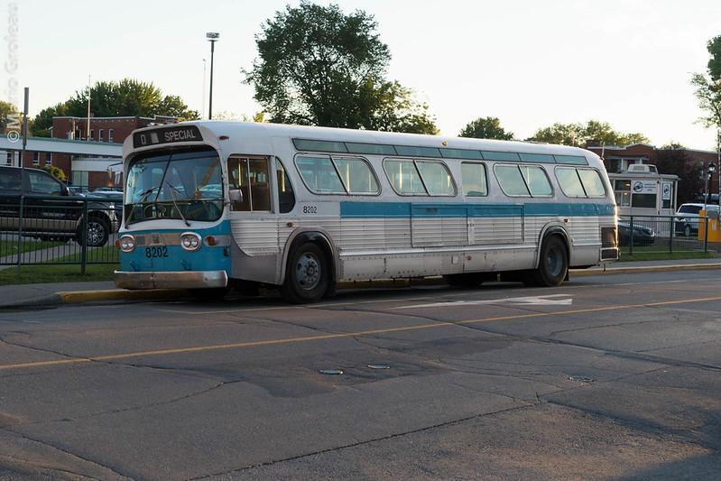 Autobus GM New Look Fish Bowl 1982 avec 2 million de KM