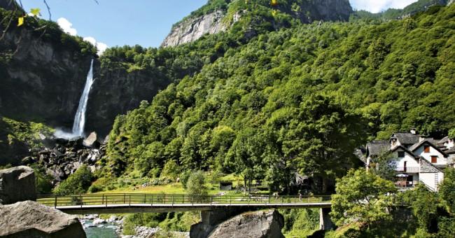 Foroglio – vodopád v sevřeném údolí Val Bavona