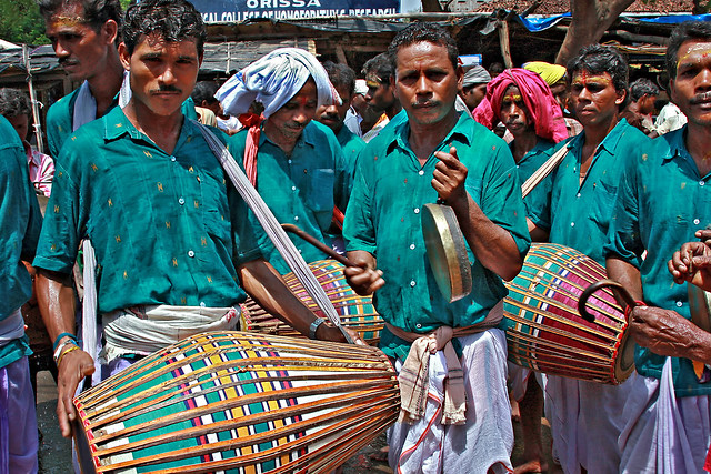 Sital_Sasthi_dancers_musicians