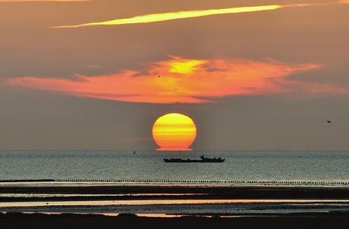 light sunset sea haven netherlands waddenzee landscape mood colours harbour groningen henk waddensea noordpolderzijl nikond90 powerfocusfotografie pearlinthewaddensea parelindewaddenzee