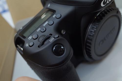 Canon EOS 70D grip