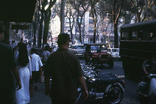 Saigon 1971 - Tu Do Street - Phía trước là ngã tư Tự Do-Gia Long