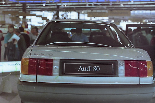 THE ALL NEW AUDI 80 IN PARIS MOTOR SHOW 1986