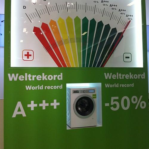 Neuer Maßstab für #energieeffizienz von Waschmaschinen A+++ -50%, hier: #Bosch #ifa