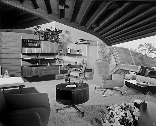 1960... Malin House 'Chemosphere' - John Lautner