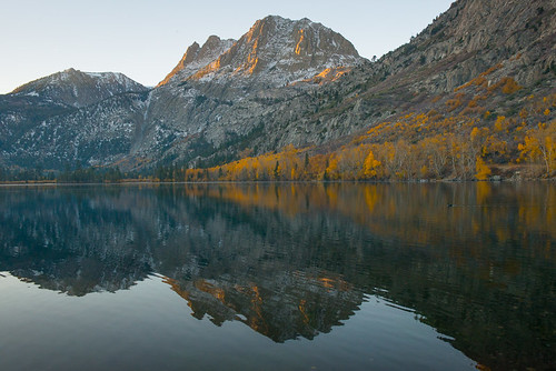 Fall colors in the Eastern Sierra: Silver Lake at Sunrise