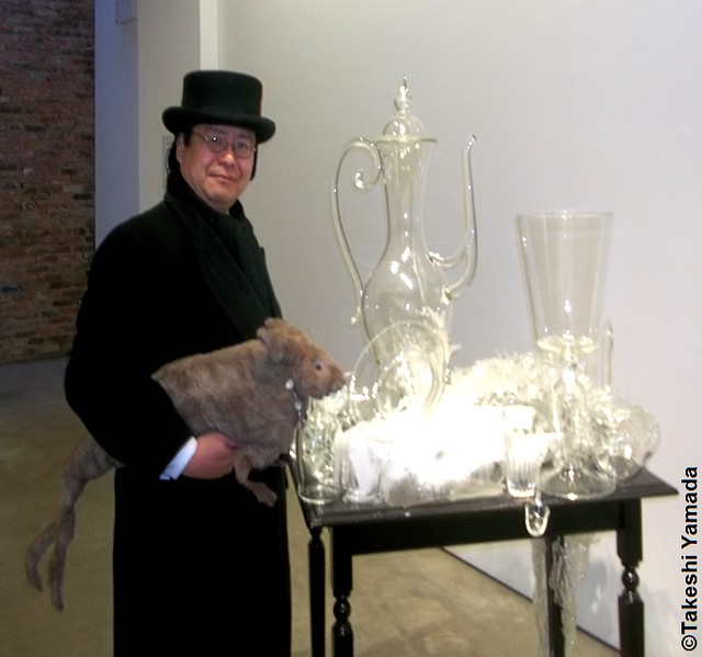 Seara (sea rabbit) and Dr. Takeshi Yamada visited Chelsea Art Gallery District in Manhattan, New York on February 7, 2013. 20130207AMC 125==X