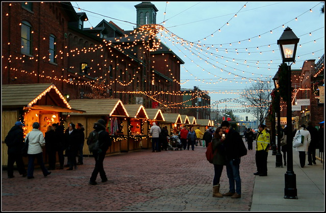 337-365: Christmas Market in Toronto