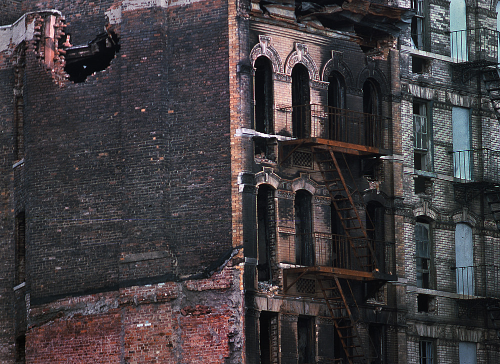 RUINED BUILDING IN THE BRONX
