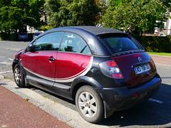 sedan(0.0), automobile(1.0), automotive exterior(1.0), wheel(1.0), vehicle(1.0), subcompact car(1.0), city car(1.0), compact car(1.0), land vehicle(1.0), citroã«n c3(1.0),