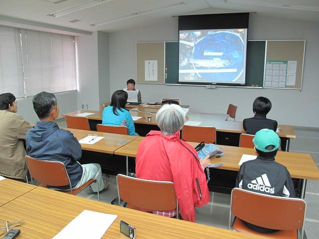 調査中の体験や苦労話など,内藤先生ならではのエピソードもあり興味深かった.