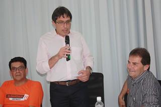O prefeito Fábio. Ao seu lado Luiz Fernando e o deputado Paulinho da Força