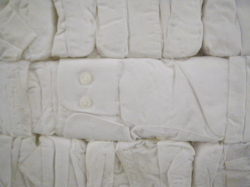 古着の白い衣類2