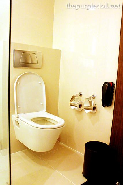 Bellevue Manila Signature Deluxe Toilet