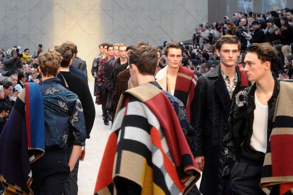 Burberry+AW14+Menswear+Show+Front+Row+Runway+oFNHkbCsO9ol