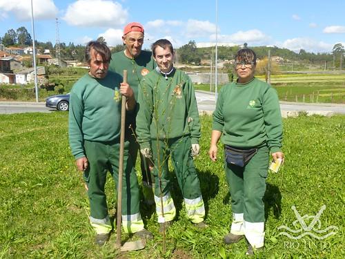 2017_03_21 - Plantação de Árvores pela JFRT (12)