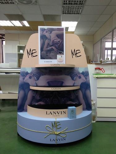 【展示道具设计】品牌香水蛋糕展示柜