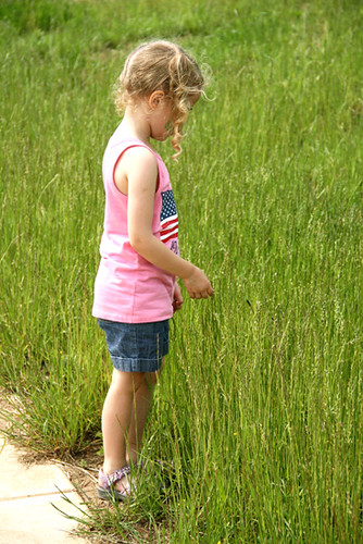 Creek_Auttie-in-tall-grass