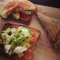 bruschetta(0.0), meat(0.0), veggie burger(0.0), produce(0.0), blt(1.0), sandwich(1.0), meal(1.0), lunch(1.0), breakfast(1.0), bread(1.0), food(1.0), dish(1.0), guacamole(1.0), cuisine(1.0),
