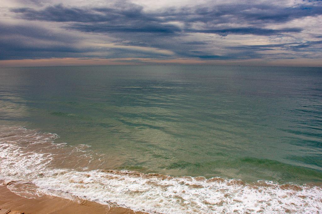 Vista del mar en la bahía de Cádiz. Autor, Lolo
