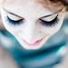 Chiudi gli occhi e sorridi, che se il mondo esplode noi mica ci pensiamo. by AndreaMarchetti ∆