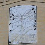Qormi. Iglesia de San Sebastian; reloj de Sol. Malta