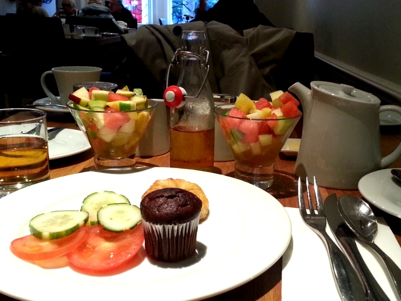 Rydges Kensington breakfast