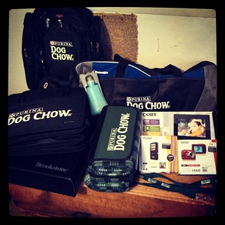 WOW, thank you #purina #dogchow for all the amazing goodies! #Brookstone car organizer, 2 stadium blankets, #Vivitar digital camcorder, all weather ViviCan, digital photo frame, outdoor game set, #elleven rolling backpack, #dog leash & water bottle. Sad t