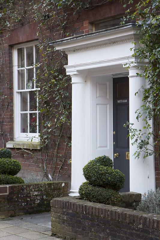 house-frontdoor