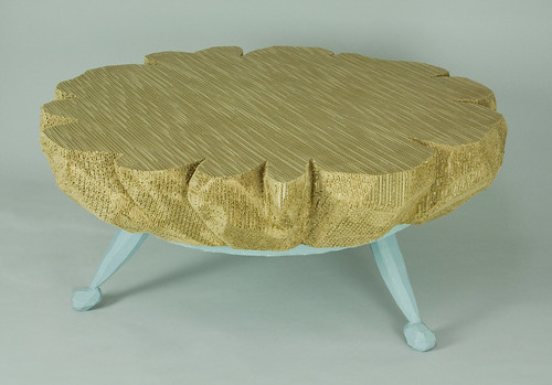 EXQUISITE-CARDBOARD-TABLE