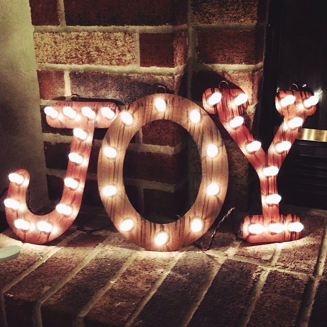 So grateful for the last 365 days of my life. Each one was wonderful, even when I felt really broken. That's the thing about joy, you can find it's lights even in the darkest of places. ❤️ #365grateful #joy #odat #light #love #recovery