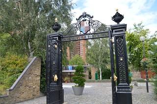 Immagine di Cremorne Gates vicino a Chelsea. chelsea gates cremornegardens