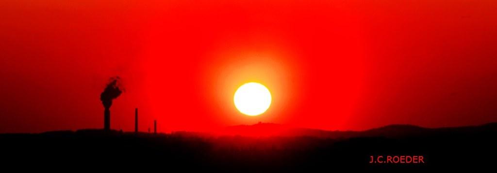 IMAGE: http://farm4.staticflickr.com/3714/9006703467_7646509dc4_b.jpg