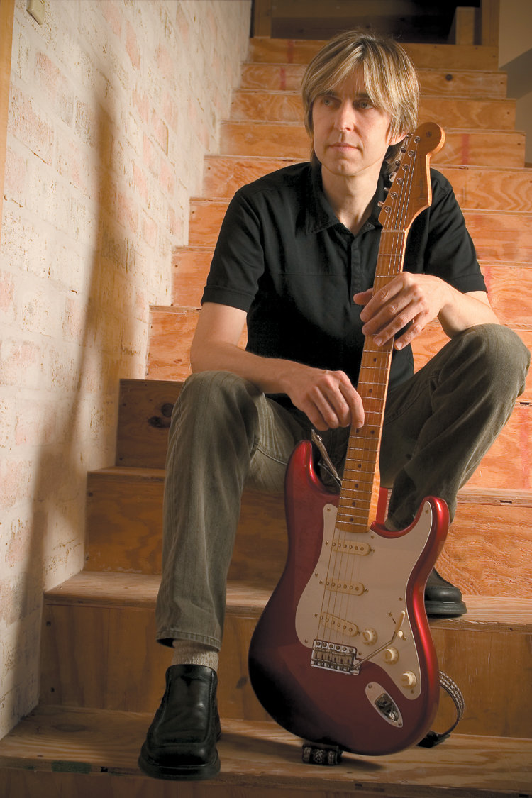 Eric Johnson with Signature Strat - 1322