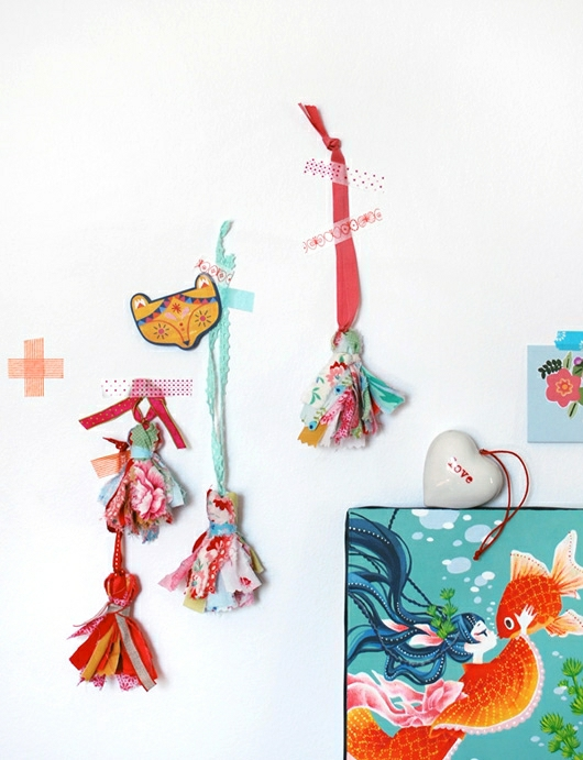 DIY: Scrap Fabric Tassels
