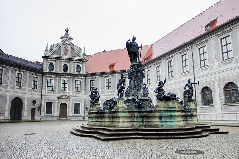 Brunnenhof fountain - Munich, Germany